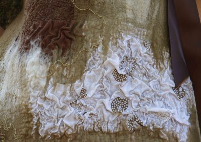 robe_marron_dentelle_detail